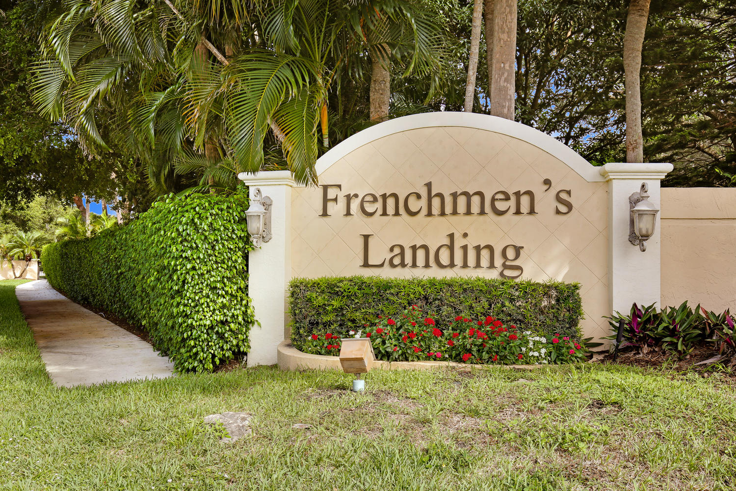 Frenchmen\'s Landing Homes for Sale & Real Estate