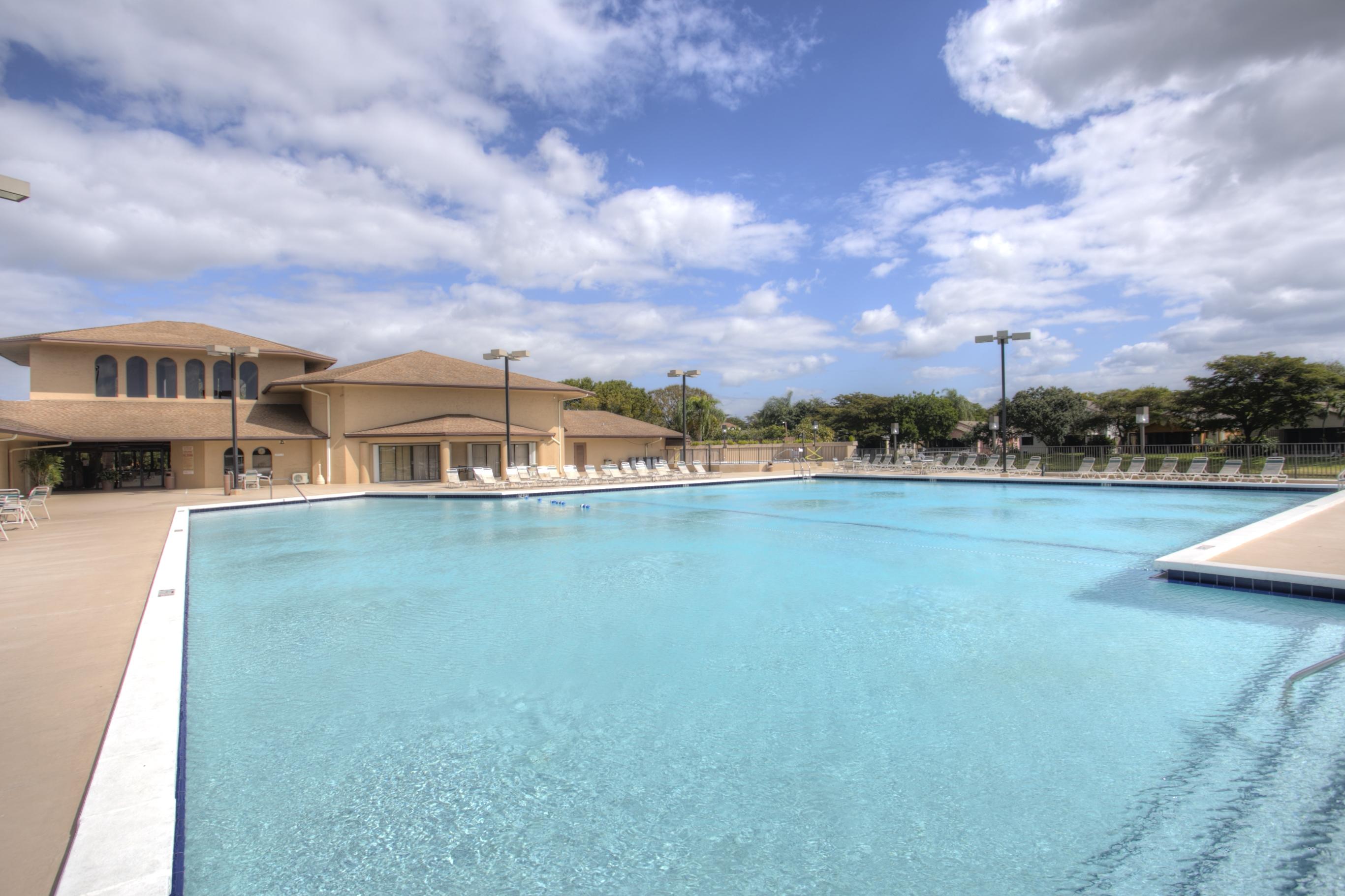 Centura Parc Pool