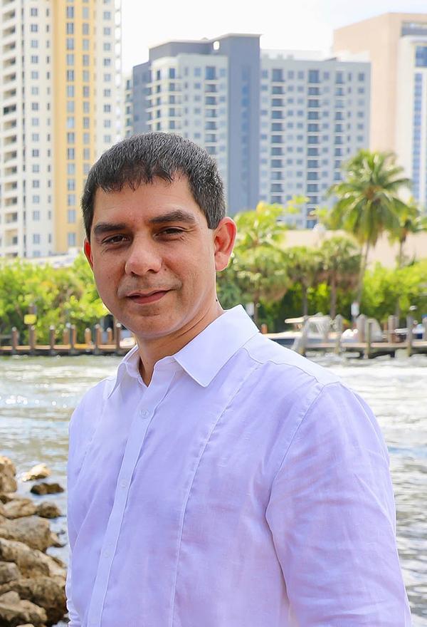 Dario Hurtado - south florida realtor