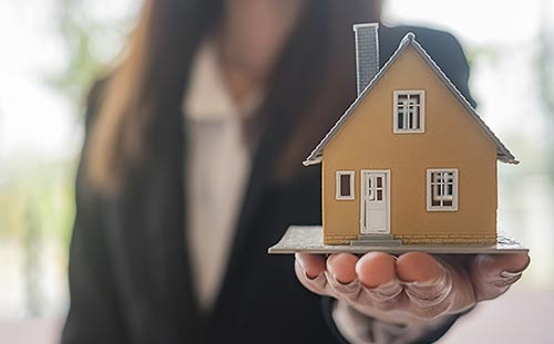real estate selling agent