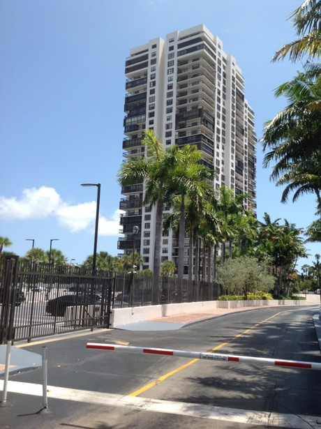 Brickell Bay Club Condos In Miami S Brickell Neighborhood
