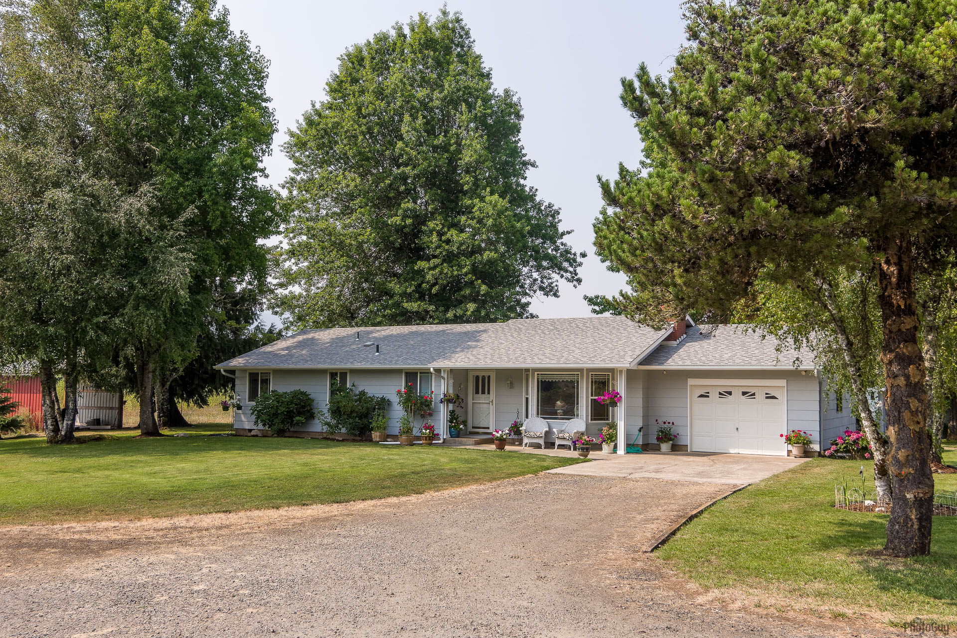 37121 Tree Farm Lane Springfield OR 97478 Eileen McMahan Eugene Realty Group