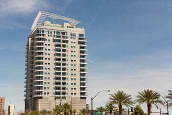 newport condos las vegas for rent. in addition to incredible rooftop, the newport loft also have a 24 hour doorman and key fob security. condos las vegas for rent