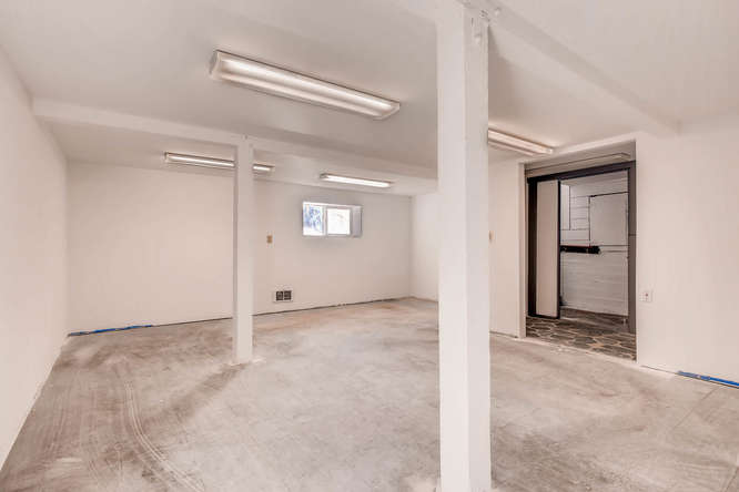 1st floor great for offices