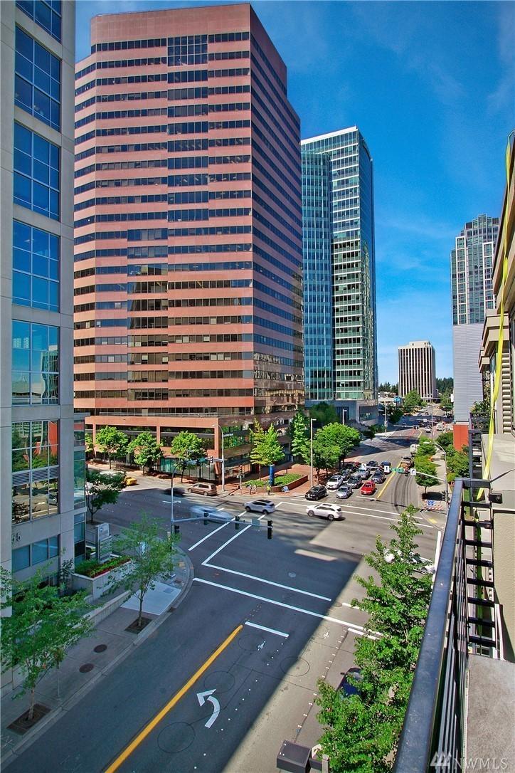 Downtown Bellevue Condo-Great View