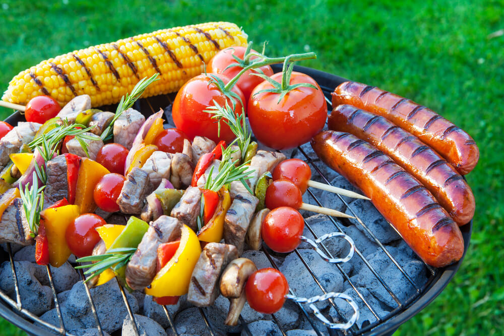 How to Throw a Great Backyard Barbecue