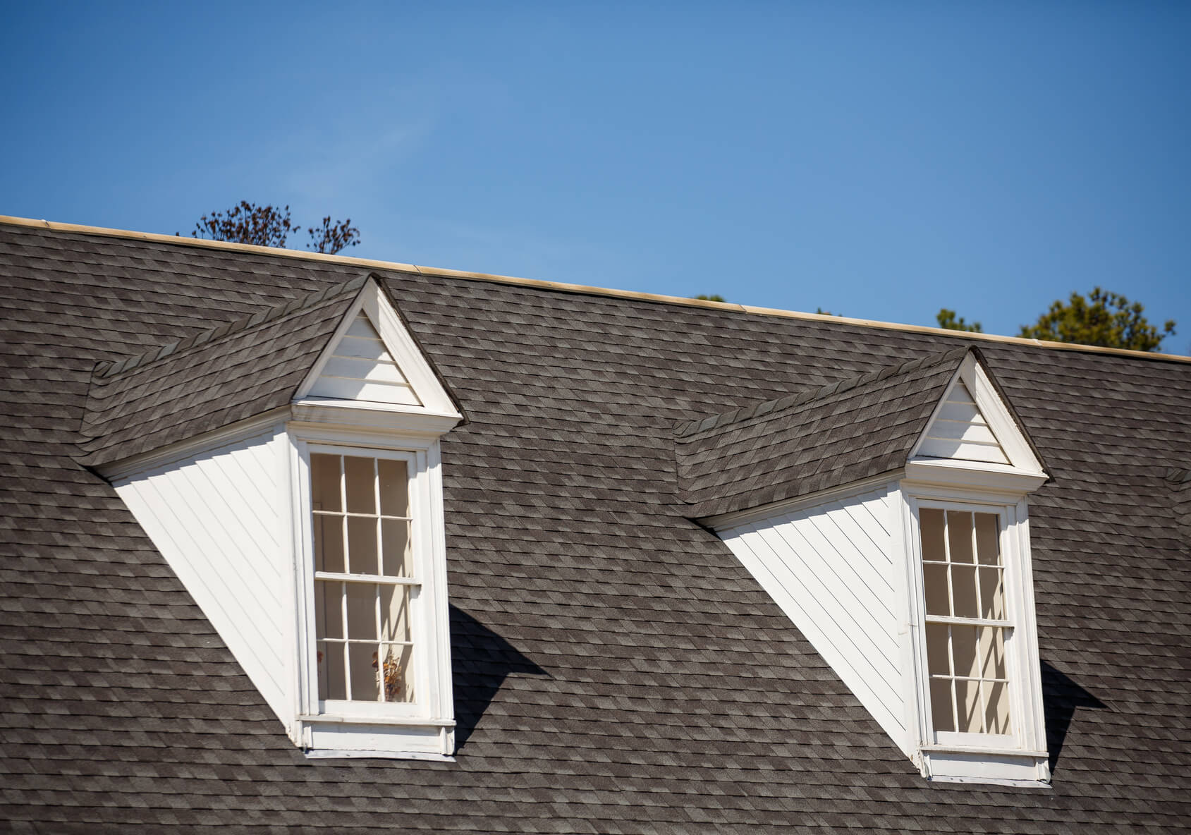 Roofing Material: Are asphalt shingles right for my house?