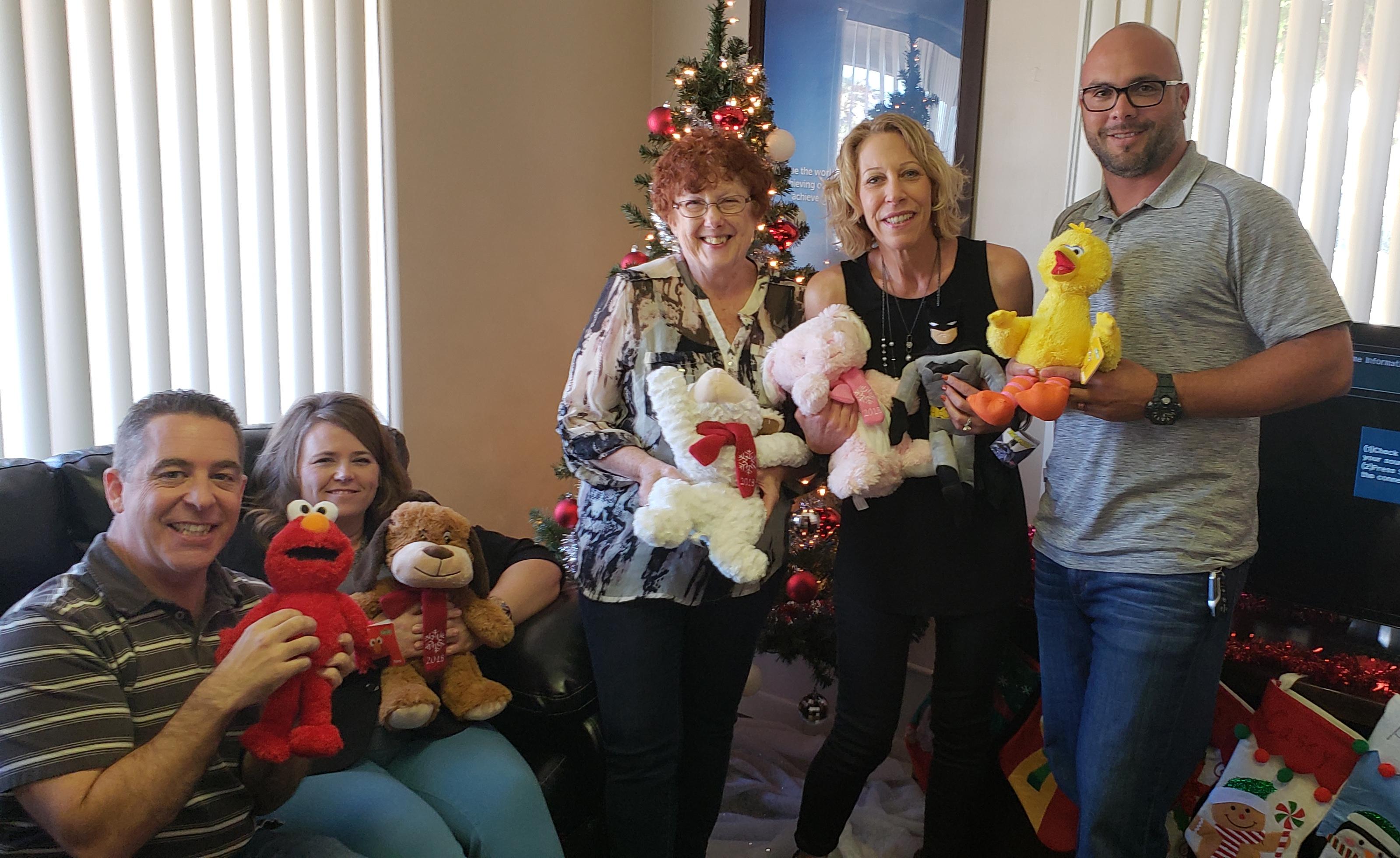 Sheryl and Drew Team PCH Tree 2018