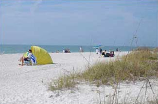image of the white sandy beach at Clearwater Beach Florida
