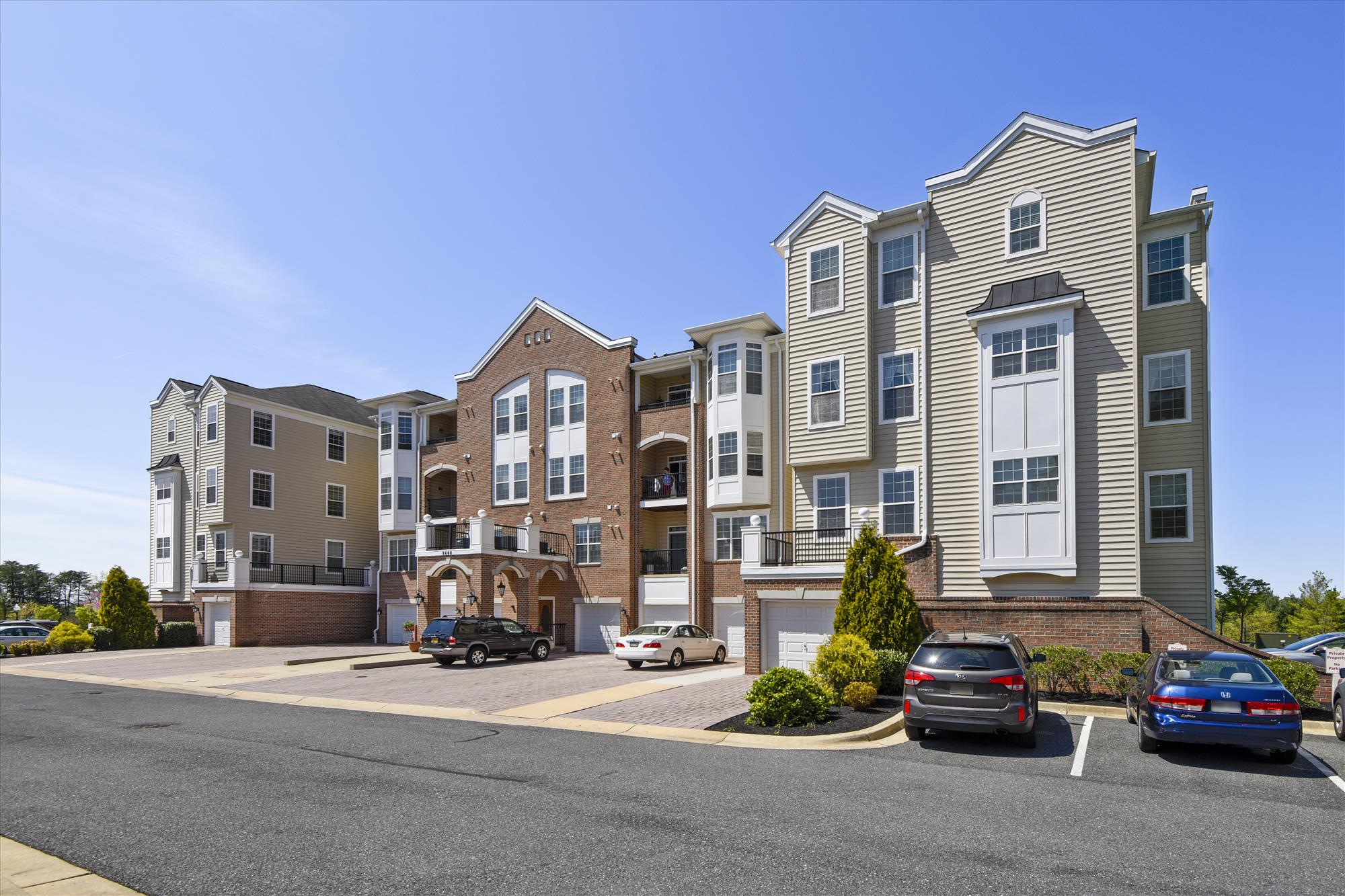 Piney Orchard condo for sale in Odenton MD