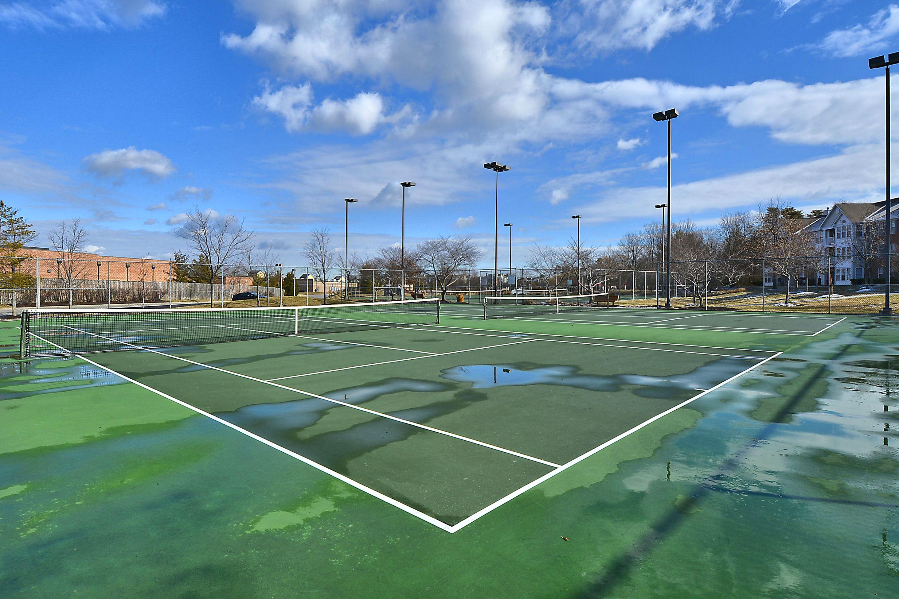 PIney Orchard tennis court