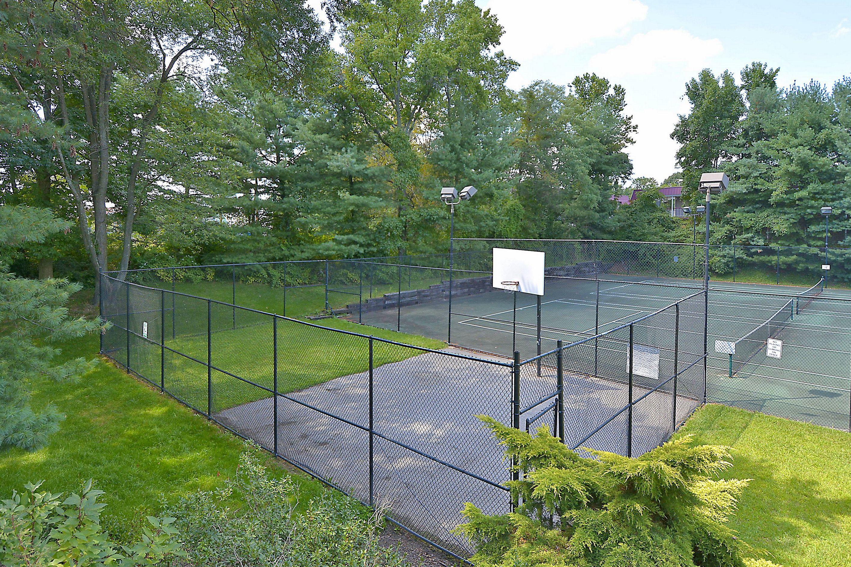 Seven Oaks Odenton basketball