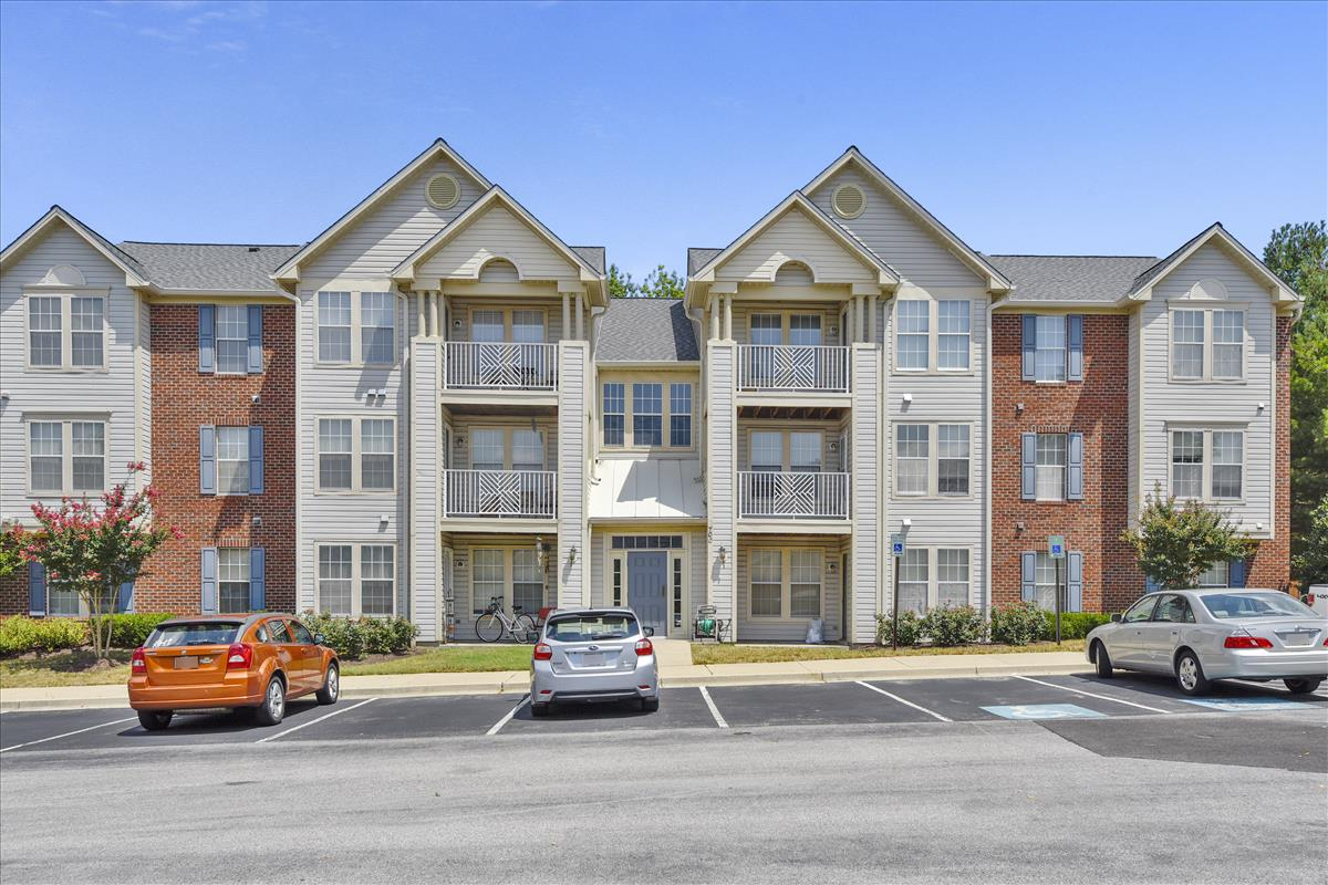 Condo for sale in Piney Orchard Odenton MD