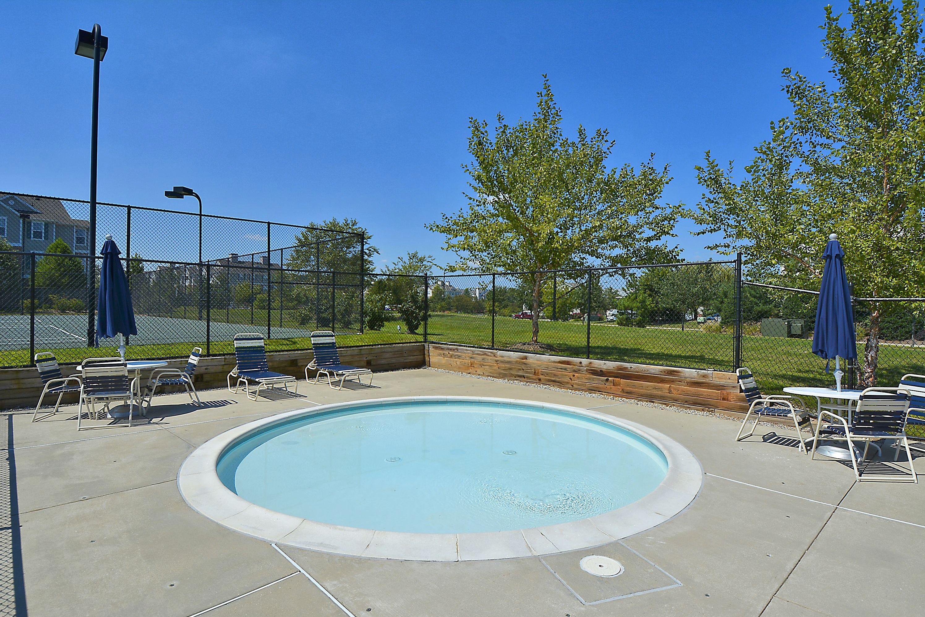 Seven Oaks Odenton kiddie pool