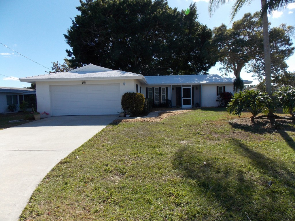 Venice Florida Lakefront Home