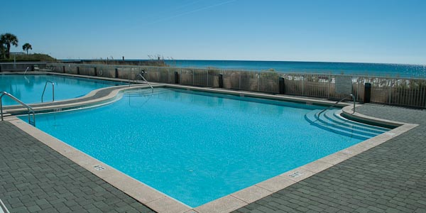 Water's Edge Pool in Fort Walton Beach