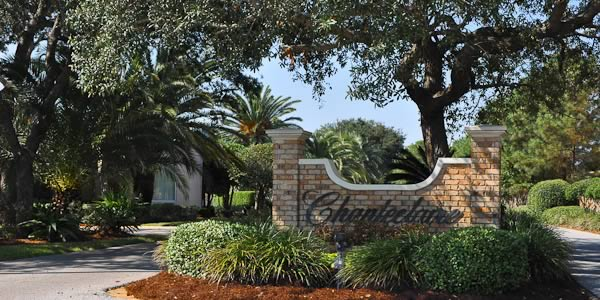 Upscale homes in Gulf Breeze