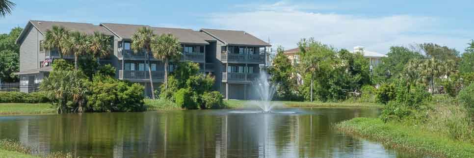 Sunchase Condominium lake and fountain