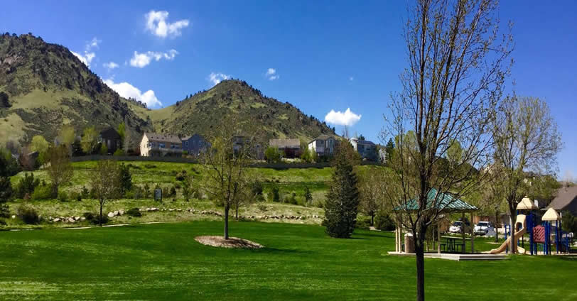 Discover gorgeous skies and a friendly community in Canyon Point Villas real estate.