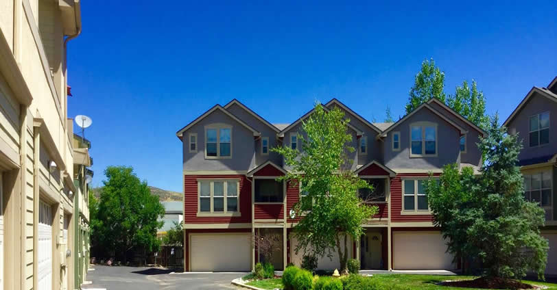 Search for your Skyline Townhomes home and find a great community.