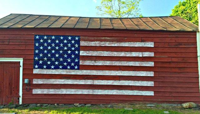 American Flag on Barn. Image Source: Befedagain.com