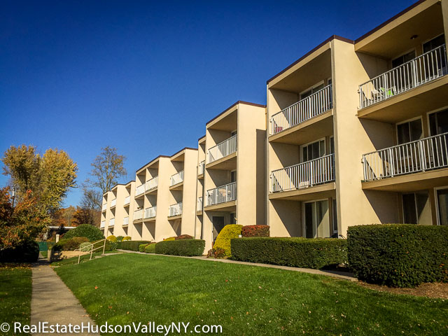 lake front condos in Mahopac NY