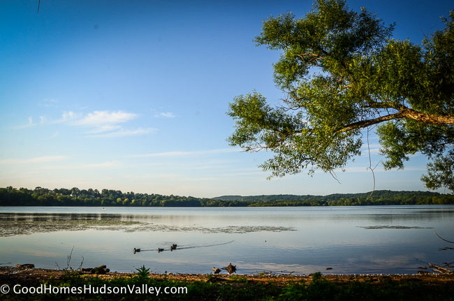 Clarkstown real estate New York. Rockland Lake State Park