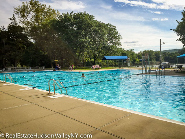 Suffern Memorial Pool