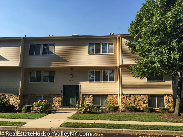 Sussex at gramercy condos for sale in nanuet ny real estate hudson valley for Condos for sale in garden city ny
