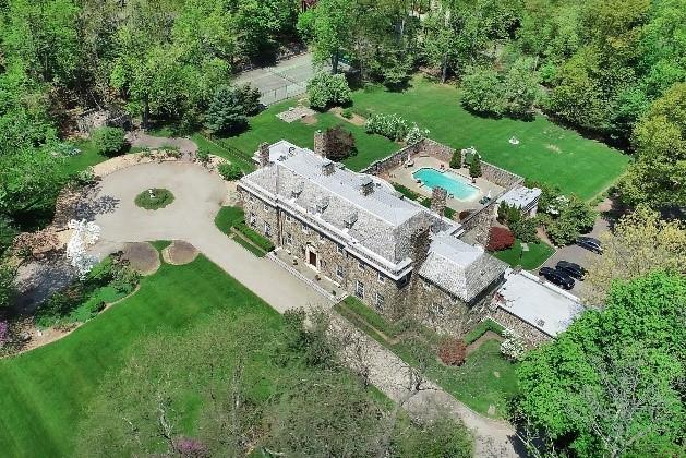 Aerial photo of home at 10 Lynwood Way in West Orange NJ 07052