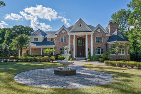 Featured luxury home in Watchung NJ 07069