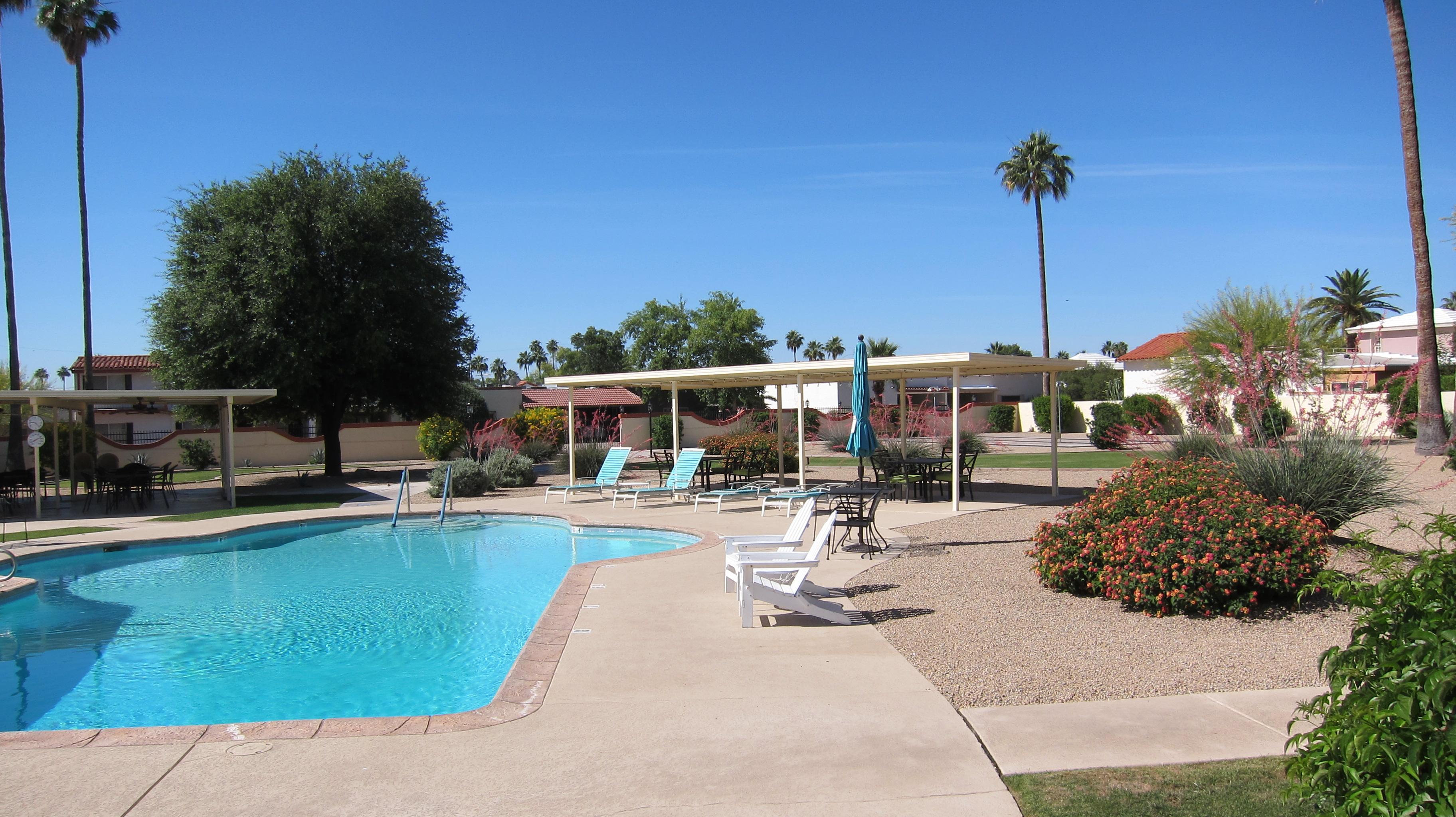 Villa Monterey pool