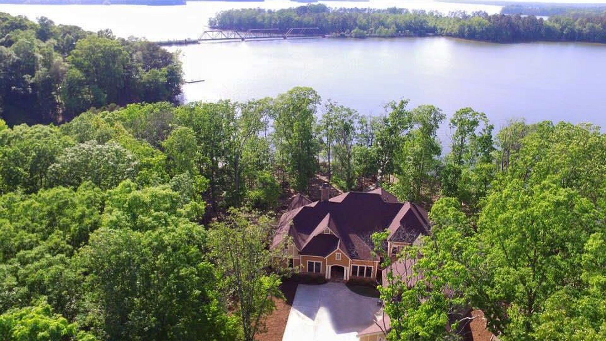 Excellent High Rock Lake Real Estate Interior Design Ideas Apansoteloinfo