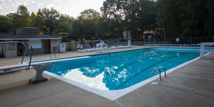 Pool at Knollwood Heights