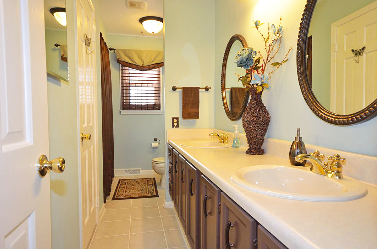 202 club road williamston sc for Bathroom cabinets greenville sc
