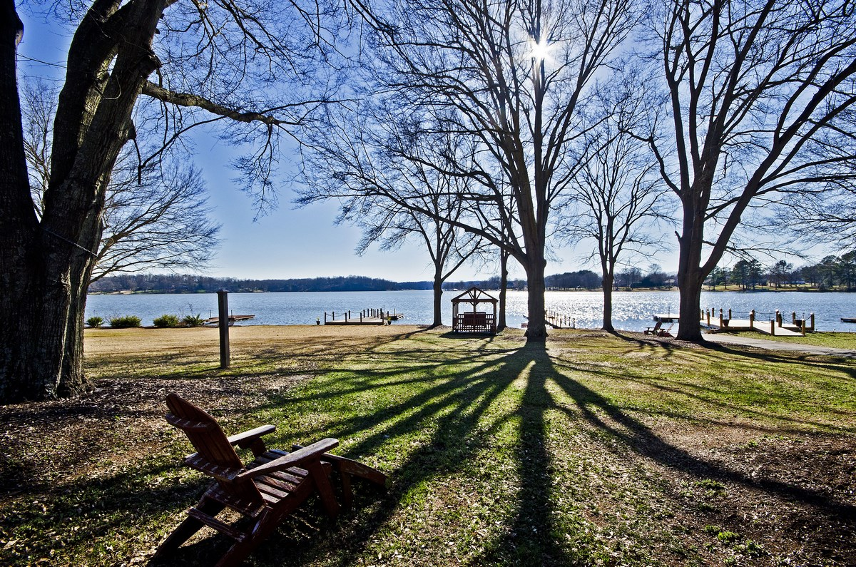 Our team of Greater Greenville SC real estate expert Realtors can help make  your Greenville area waterfront home buy a smooth  enjoyable and profitable. Lakes in Greenville SC   Greenville SC Waterfront and Waterview