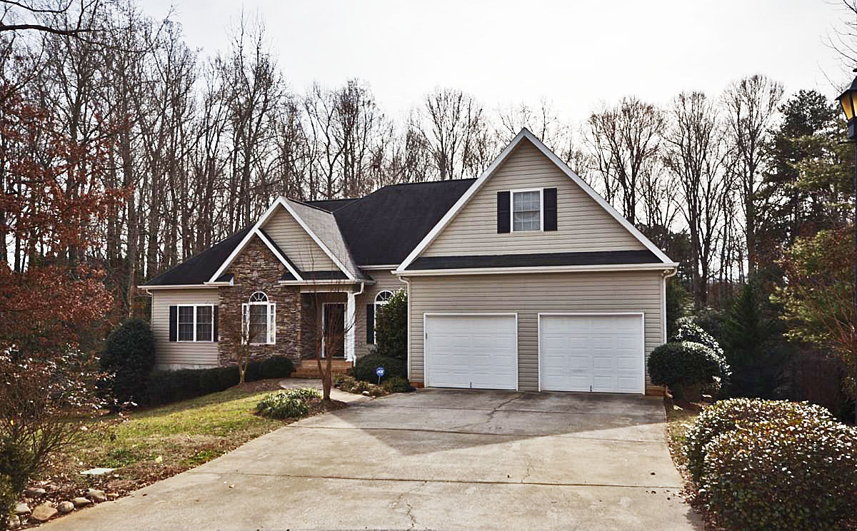 Conveniently located greenville sc basement home for sale for House plans greenville sc