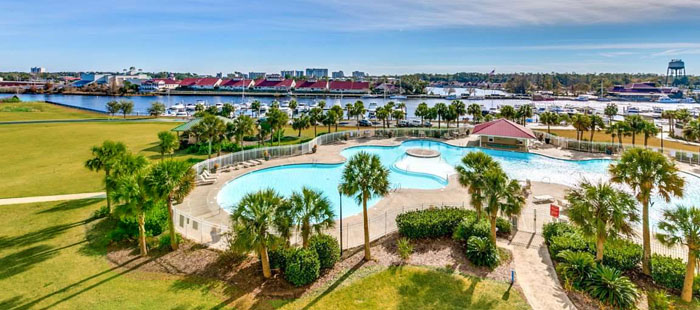 Yacht Club Barefoot Pool and Marina