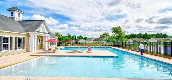 Bellegrove Preserve Pool