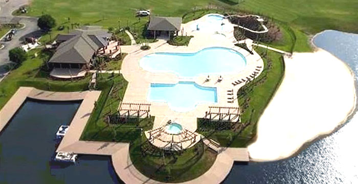Pool and Clubhouse at Wild Wing Plantation