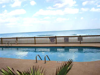 Royal Gardens Oceanfront Pool