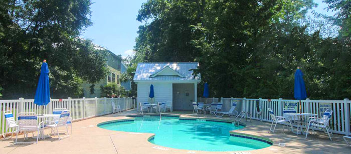 Pool at Creekside Cottages
