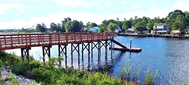 Waterway and Dock at Riverwalk