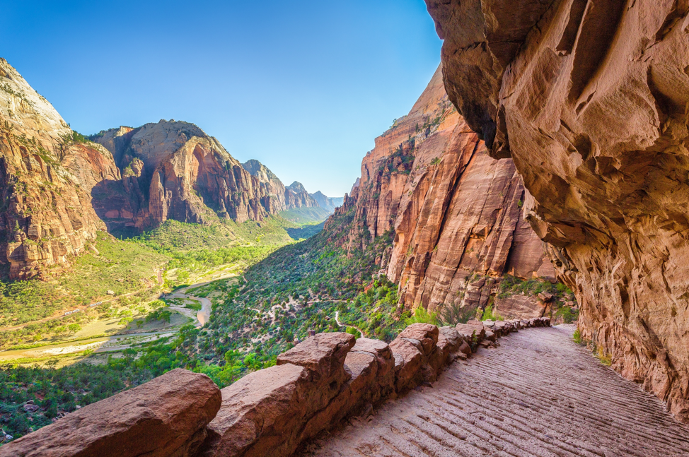 Angels Landing Hike and picture at Zion National Park
