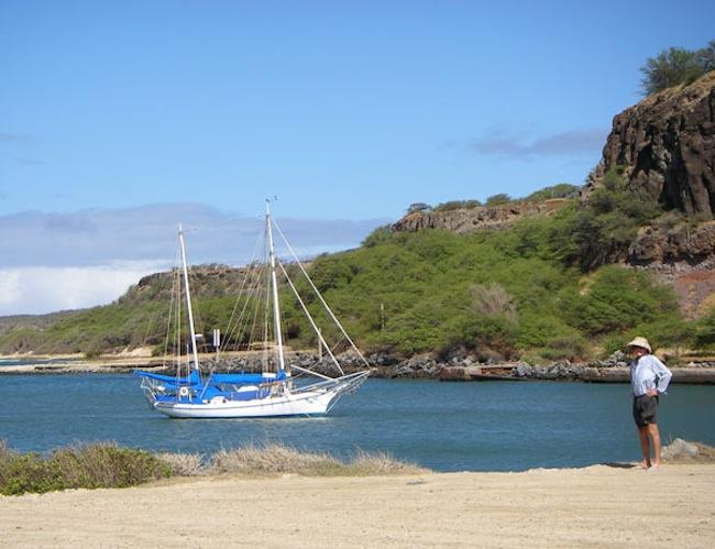 Sailing Boat in Hale O Lono Harbor
