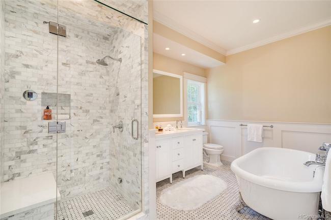Hibiscus Drive Bathroom