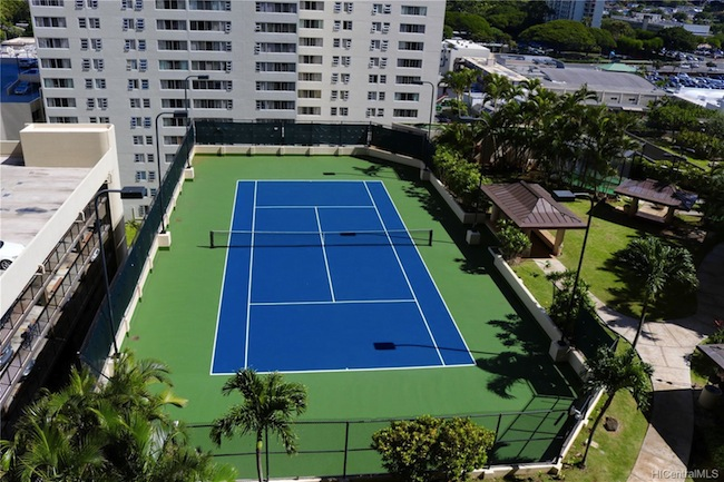 Honolulu Park Place Tennis Court