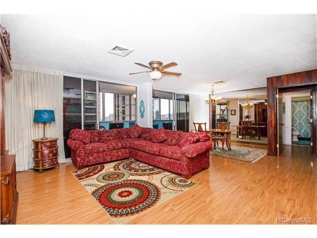 Leasehold Waikiki Condo for $385,000