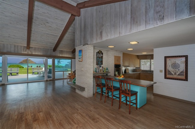 Lanikai Oceanfront home built in 1959