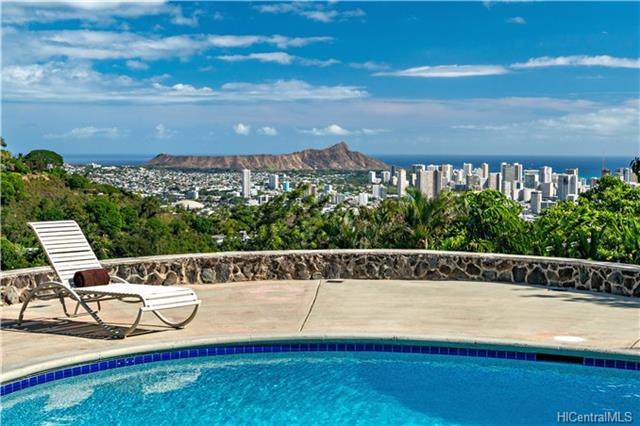 Kolonahe Pool and Diamond Head Views